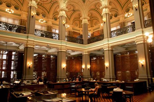Soraia Magalhães - As bibliotecas mais bonitas do Brasil - imagem2