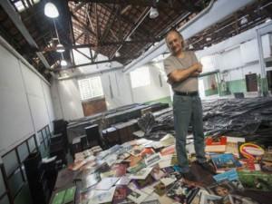 Zero Freitas e sua coleção, em São Paulo / Foto: Bosco Martín