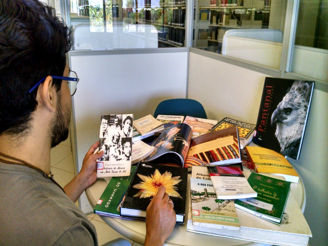 Obras da Bibliotecas Central da UFMS contam histórias de MS e MT. Foto: Biblioteca Central da UFMS