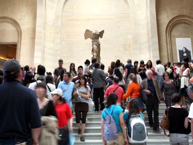 A Vitória de Samotrácia é uma das principais atracções do Museu do Louvre - Foto: LOIC VENANCE/AFP