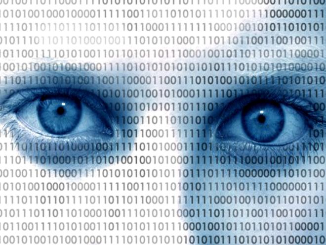 """Castells: """"EUA são centro da vigilância, mas documentos de Snowden mostram cooperação com agências do Reino Unido, Alemanha, França e qualquer país, com exceção parcial da Rússia e China"""