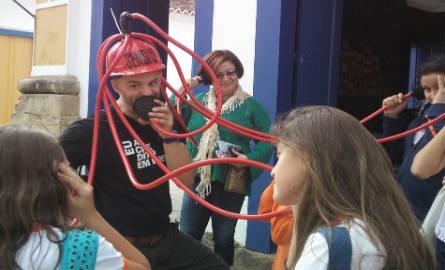 O Polvo Poético destila poesia nos visitantes da Flip. Foto: Ciça Oliver/Agência Biblioo