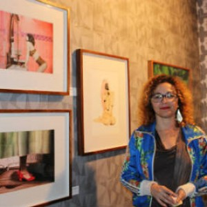 Claudia Aires trouxe ao ArtRua trabalhos de diversos artistas nordestinos. Foto: Chico de Paula / Agência Biblioo