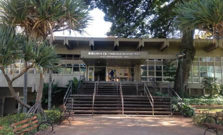 Biblioteca Municipal de Campinas, que recebe 300 pessoas por dia  (Foto: Clara Rios/G1)