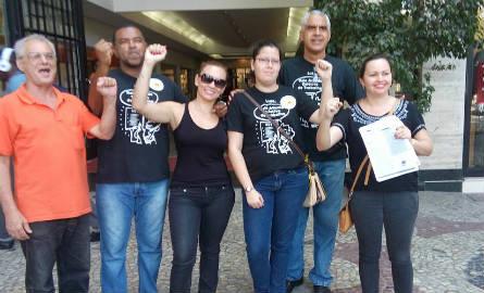 Funcionários do CRB7 fizeram um protesto na entrada da sede autarquia na manhã do último dia 13. Foto: facebook do SINSAFISPRO