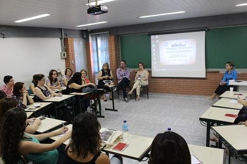 Grupo discutiu ações bibliotecárias para uma biblioteca do futuro Foto: Rodolfo Targino / Agência Biblioo