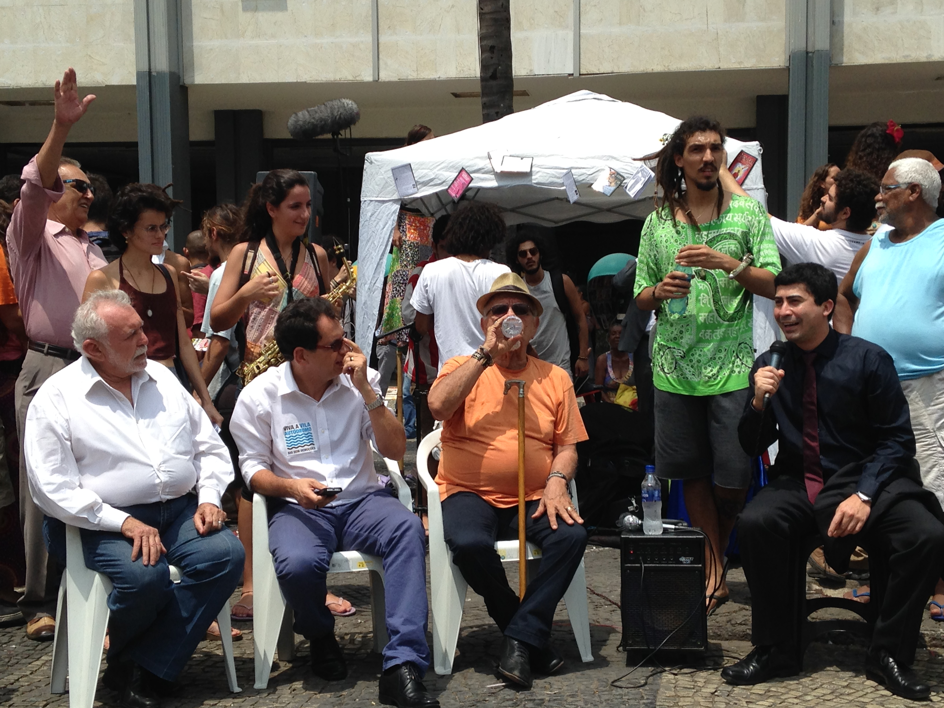Roda de Conversa discutindo arte pública. Foto: Rodolfo Targino / Agência Biblioo