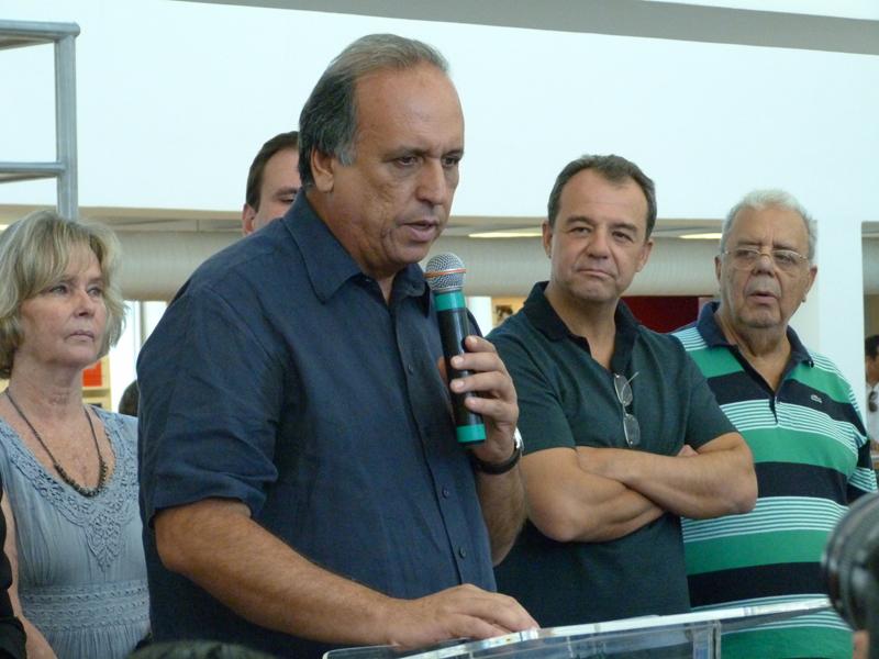 Governador do Rio de Janeiro, Luiz Fernando Pezão, em discurso durante a reinauguração da Biblioteca Parque Estadual. Foto: Hanna Gledyz / Agência Biblioo.