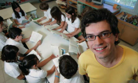 Missão do professor Luis Junqueira é ajudar as crianças a publicarem seus próprios livros. Foto: Arquivo Pessoal