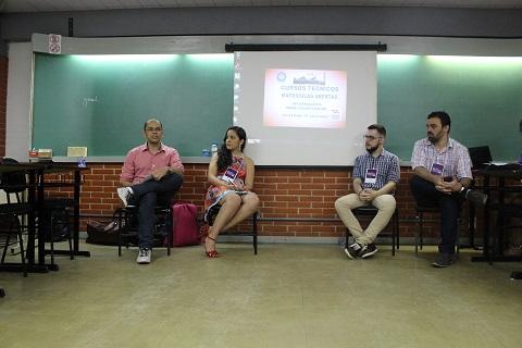 Grupo discutiu atuação de bibliotecários em novos espaços Foto: Rodolfo Targino / Agência Biblioo