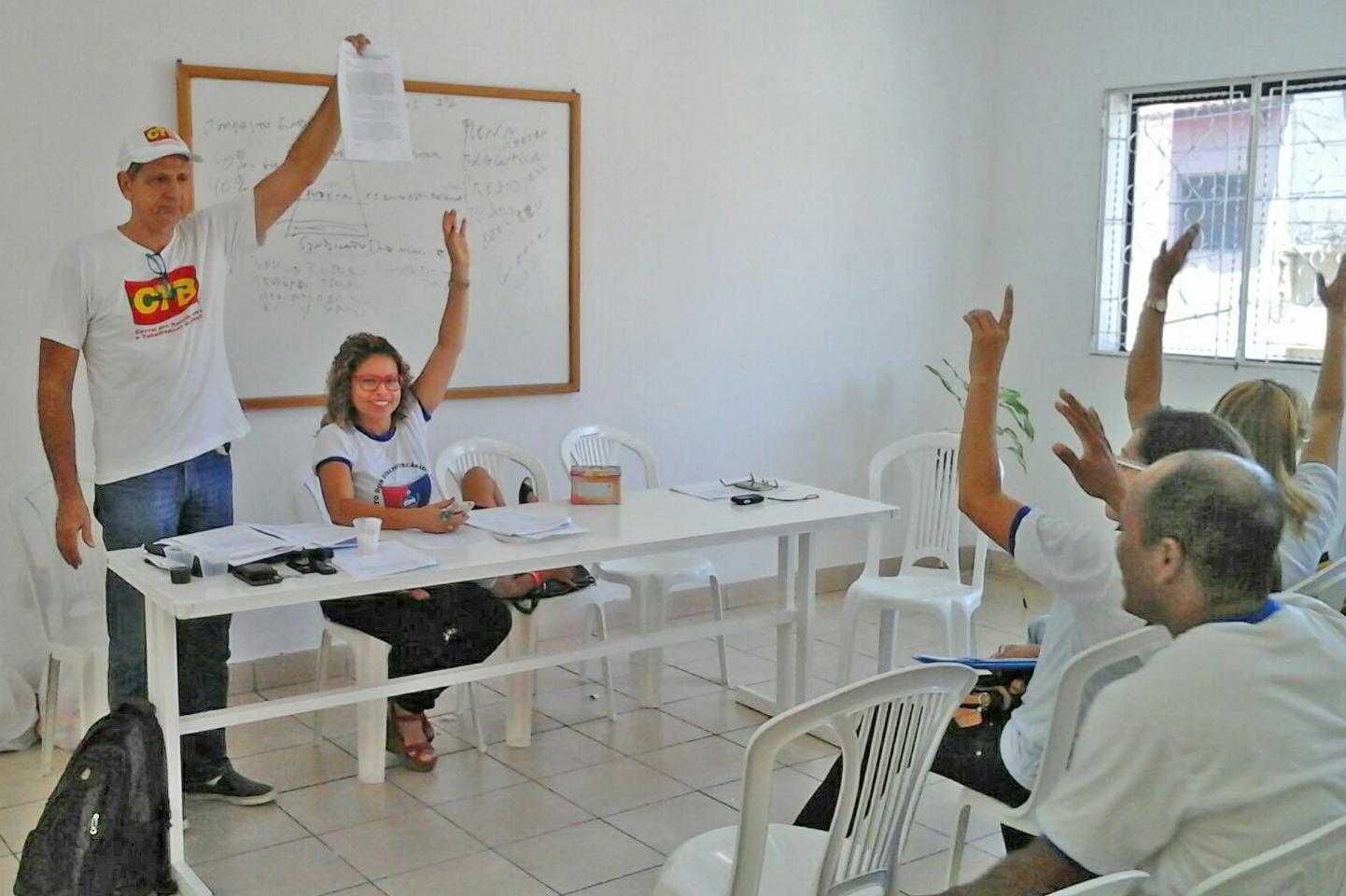 Aprovação do Estatuto do SINBIBLIO/AL. Foto: inforbibliorose.blogspot.com.br.