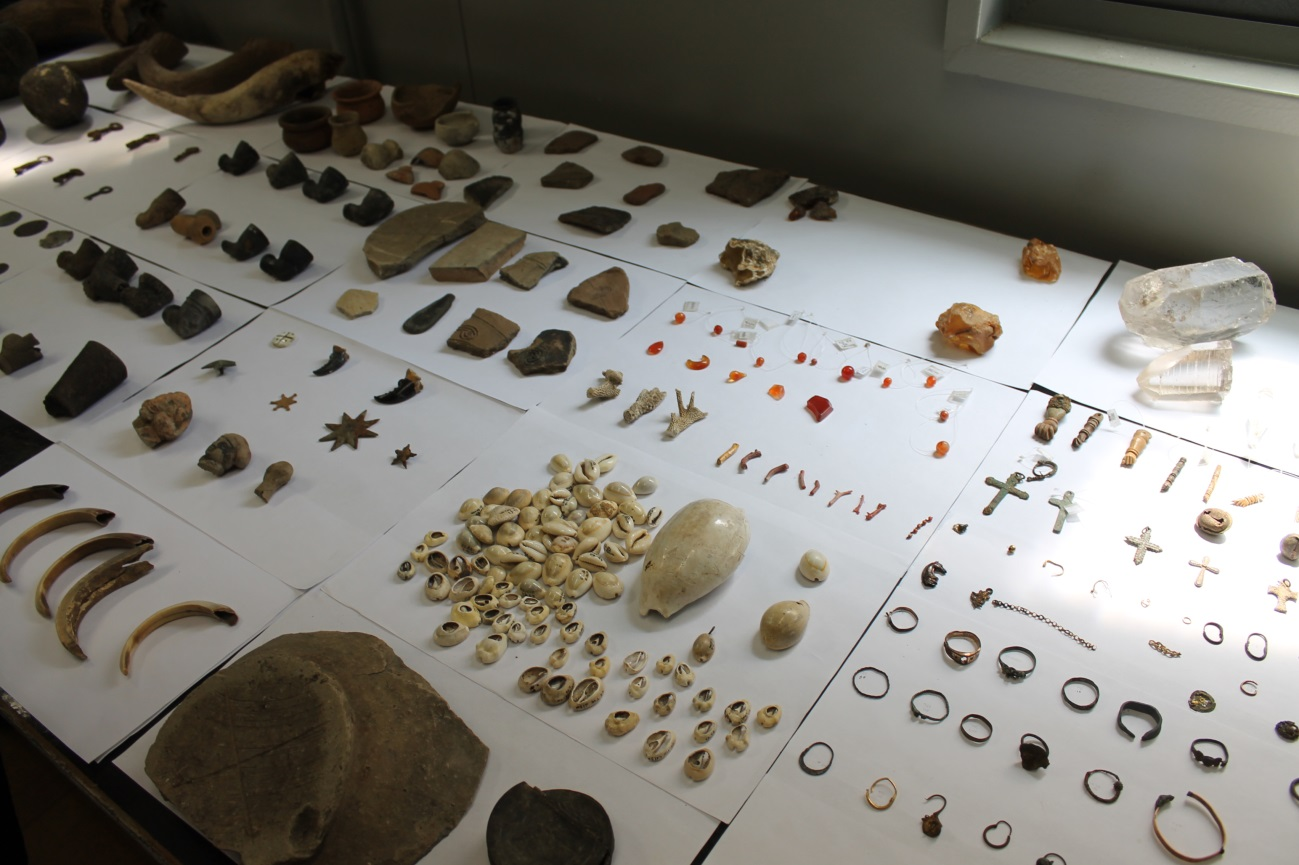 Relíquias arqueológicas encontras no Cais do Valongo durante as obras do Porto Maravilha. Foto: Mariana Aimée.