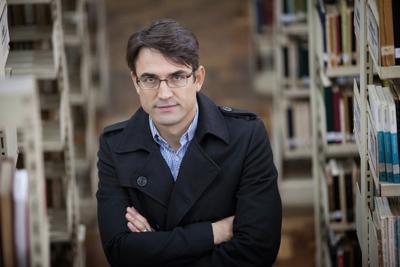 Diretor da Biblioteca, Rogério Pereira. Foto: divulgação.