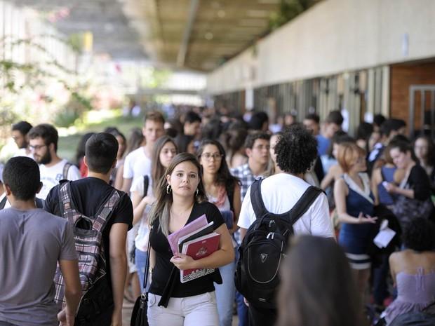 Movimentação na UnB: recursos próprios diminuíram déficit. (Foto: Edilson Rodrigues/Agência Senado)