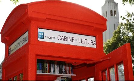 cabine-transformada-em-biblioteca