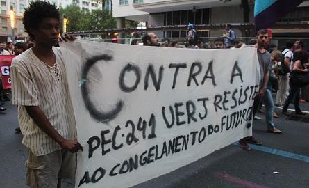 UERJ também se manifestou contra PEC 241. Foto: Chico de Paula / Agência Biblioo
