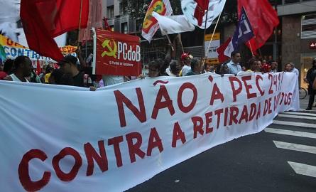 O protesto contra a PEC 241 deu a tônica do ato. Foto: Chico de Paula / Agência Biblioo