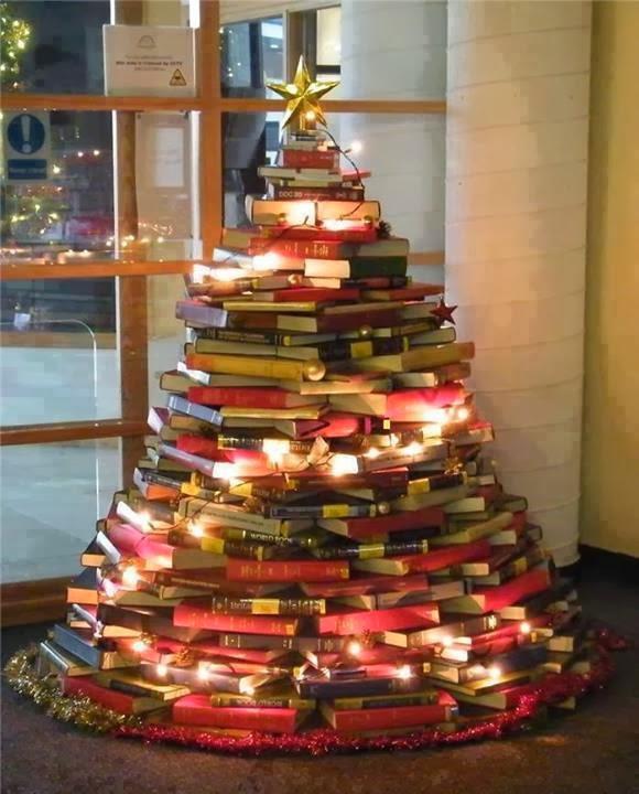 Image result for arvore de natal de livros