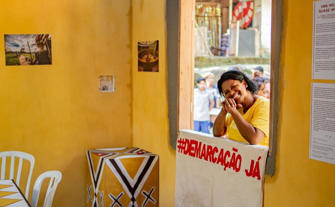 Ana que hoje se defini como contadora contadora de história, griô, mediadora de leitura, replicadora de cultura, ainda pobre, sempre preta, linda e alegre. Foto: Miguel Angelo